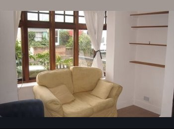 EasyRoommate UK - 2 br home to share with professional in Cowley-Iffley, Oxford - £650 pcm