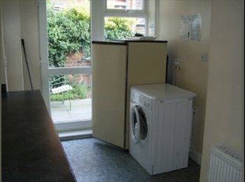Student room, walking distance from uni £390 a month