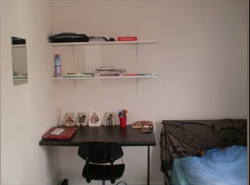 EasyRoommate UK - Bright and nice room in good location, Sheffield - £330 pcm