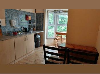EasyRoommate UK - 1 Bedroom Flat Available, Edbaston B17 8ER, Birmingham - £525 pcm