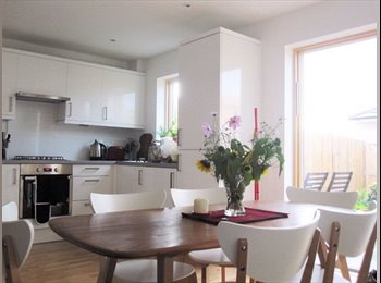 EasyRoommate UK - 2 Doubles in Gay-Friendly Houseshare (Queens Park) , Brighton - £575 pcm