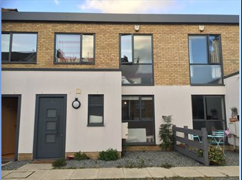 EasyRoommate UK - Double room in a 2 bed house by Peckham Common, London - £730 pcm