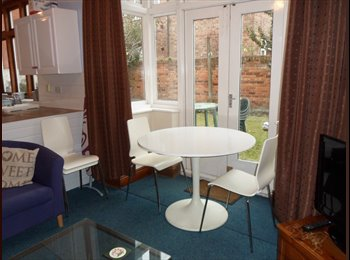 EasyRoommate UK - 1 room in a 5 bedroom house. Need moving into asap, Nottingham - £345 pcm