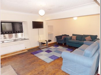 VERY LARGE EN-SUITE STUDENT ROOM AVAILABLE NEXT TO CARDIFF...