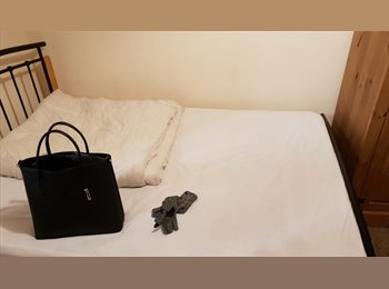 EasyRoommate UK - 2 Single Rooms close to University, Luton - £350 pcm