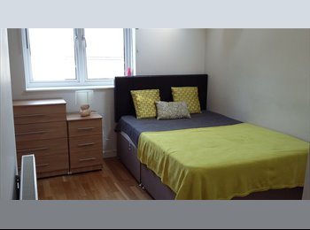 EasyRoommate UK - Exceptional double room with en-suite in great house share, Bracknell - £595 pcm
