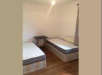 EasyRoommate UK - Double Bedroom To Let in Stepny Green **Affordable*, London - £700 pcm