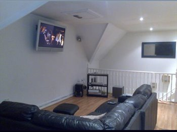 EasyRoommate UK - FED UP OF SHARING? STUNNING 2 DOUBLE BEDROOM WITH OWN BATHROOMS , Grays - £695 pcm