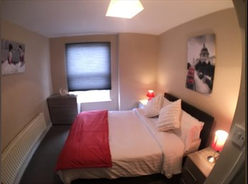 EasyRoommate UK - Brilliant ROOMS to let in a 3 bed professional house share on Belmont Road , Liverpool - £400 pcm