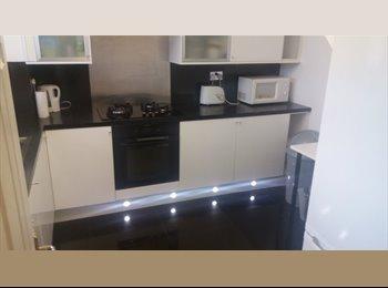 EasyRoommate UK - Single room near DLR, London - £607 pcm