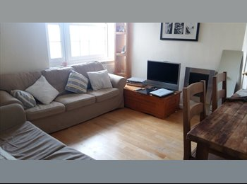 cosy double room by turnham green