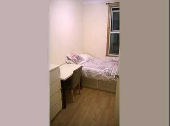 Nice room to rent in the heart of Walthamstow.