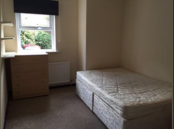 Double bedroom available on cowley road. £530 ex bills.