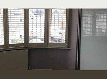 Double room with own parking £500pm