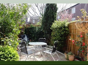 Big Sized Double Room in House with garden and living in...