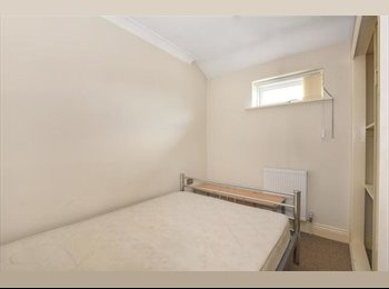 Very spacious double ensuite bedrooms to rent in Cowley