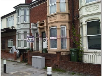 EasyRoommate UK - DOUBLE ROOM AVAILABLE - CALL NOW TO AVOID DISAPPOINTMENT , Portsmouth - £340 pcm
