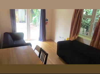 EasyRoommate UK - LAST STUDENT ROOM REMAINING IN LARGE SHARED HOUSE, Cambridge - £500 pcm