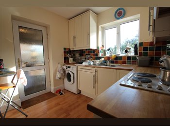 EasyRoommate UK - SINGLE ROOMS ALL BILLS INCLUSIVE, High Wycombe - £454 pcm