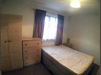 Large Double Rooms in Zone 2, Minutes from station