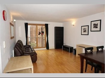 DOUBLE BEDROOM with its OWN BATHROOM in MANCHESTER CITY...
