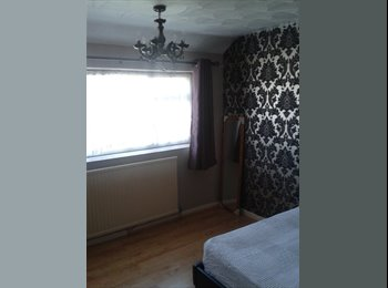 EasyRoommate UK - Double room, High Wycombe - £500 pcm