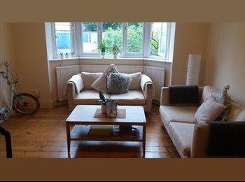 Cosy Garden Apartment