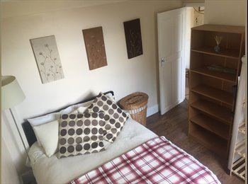 EasyRoommate UK - LOOKING FOR A PROFESSIONAL FEMALE TO SHARE A HOME WITH A LADY AND HER DOG., Morden - £600 pcm