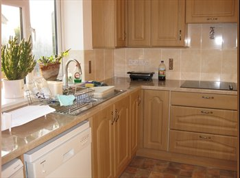 EasyRoommate UK - Available now - large double bedroom & shared living in large detatched house in Warboys, Warboys - £375 pcm