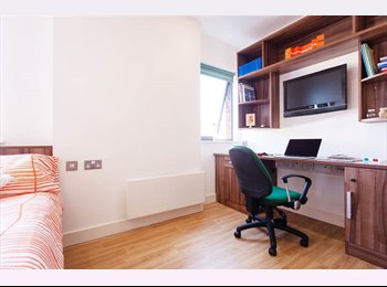 EasyRoommate UK - King Square Studio Premium Dual Occupancy Studio Available , Bristol - £880 pcm