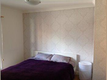 EasyRoommate UK - Double Bedroom in Cosy Flat on Trendy Bermondsey , London - £2,000 pcm