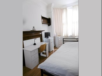 EasyRoommate UK - Single rooms in student accommodation, London - £680 pcm