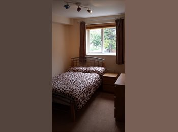 EasyRoommate UK - Canalside living - double room in lovely location, Kings Langley - £560 pcm