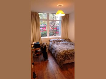 Double sized room in E&C available in December