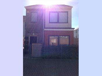 EasyRoommate UK - Single spacious room Near north station Colchester, Colchester - £350 pcm