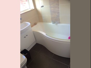 EasyRoommate UK - Double Room available in modern house, Eastleigh and Test Valley - £625 pcm