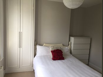 EasyRoommate UK - Spacious Victorian Cottage Monday to Friday rental , Mortlake - £500 pcm