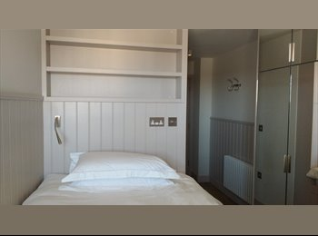 EasyRoommate UK - Room available in brand new luxury student accommodation, Κάρντιφ - £680 pcm