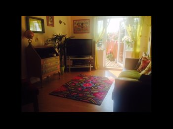 EasyRoommate UK - Lovely fully furnished double bedroom with bathroom. , Bristol - £620 pcm