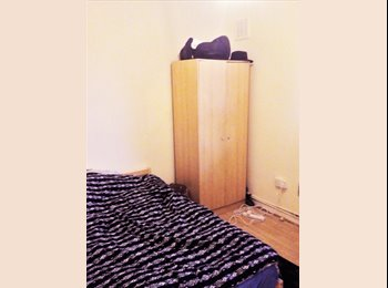 EasyRoommate UK - NICE DOUBLE ROOM FOR SINGLE OCC IN ELEPHANT AND CASTLE, London - £585 pcm