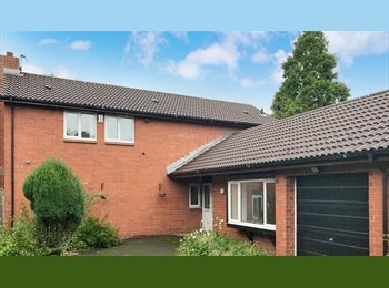 Rooms in Birchwood, Warrington from £180PCM