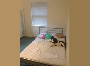 EasyRoommate UK - Wonderful Refurbished Room Needs Urgent Occupant!, Bristol - £500 pcm