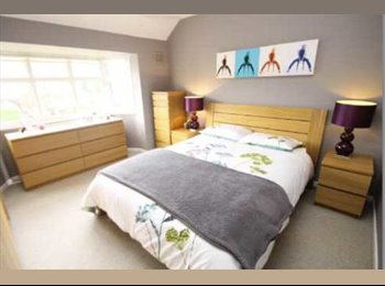 EasyRoommate UK - Brand New Beautiful HouseShare In KingsHeath 10 Min Bus Ride to City Centre, All Bills Inc., Birmingham - £450 pcm