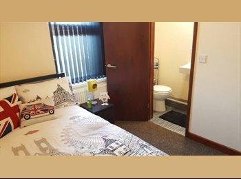 EasyRoommate UK - 2X En-Suite Double Rooms, 10 Mins From City Centre!, Birmingham - £450 pcm