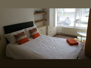 EasyRoommate UK - Double Room In Victorian House, 10 Mins Away From City Centre, Birmingham - £395 pcm