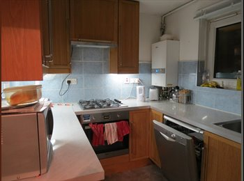 A double room for  600pcm to rent in Stratford incl bills