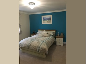EasyRoommate UK - House Share with Gay Couple, Anlaby Park - £450 pcm
