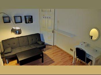 EasyRoommate UK - Double room , London - £700 pcm