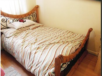 EasyRoommate UK - Lovely Double Room in New Cross, SE14, London - £650 pcm