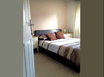 EasyRoommate UK - Lovely double room inc own bathroom in modern home, Solihull - £450 pcm